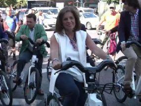 pq_929_ana_botella_bicicleta.jpg