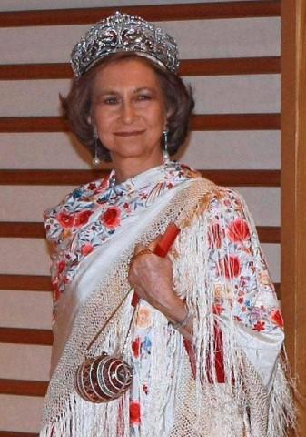 Doña Sofia con la tiara de flores de lis de diamantes