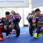 Movistar Yamaha MotoGP's Spanish rider Jorge Lorenzo (L) and Movistar Yamaha MotoGP's Italian rider Valentino Rossi pose during the presentation of the 2016 Yamaha team in Barcelona on January 18, 2016. AFP PHOTO/ LLUIS GENE / AFP / LLUIS GENE        (Photo credit should read LLUIS GENE/AFP/Getty Images)