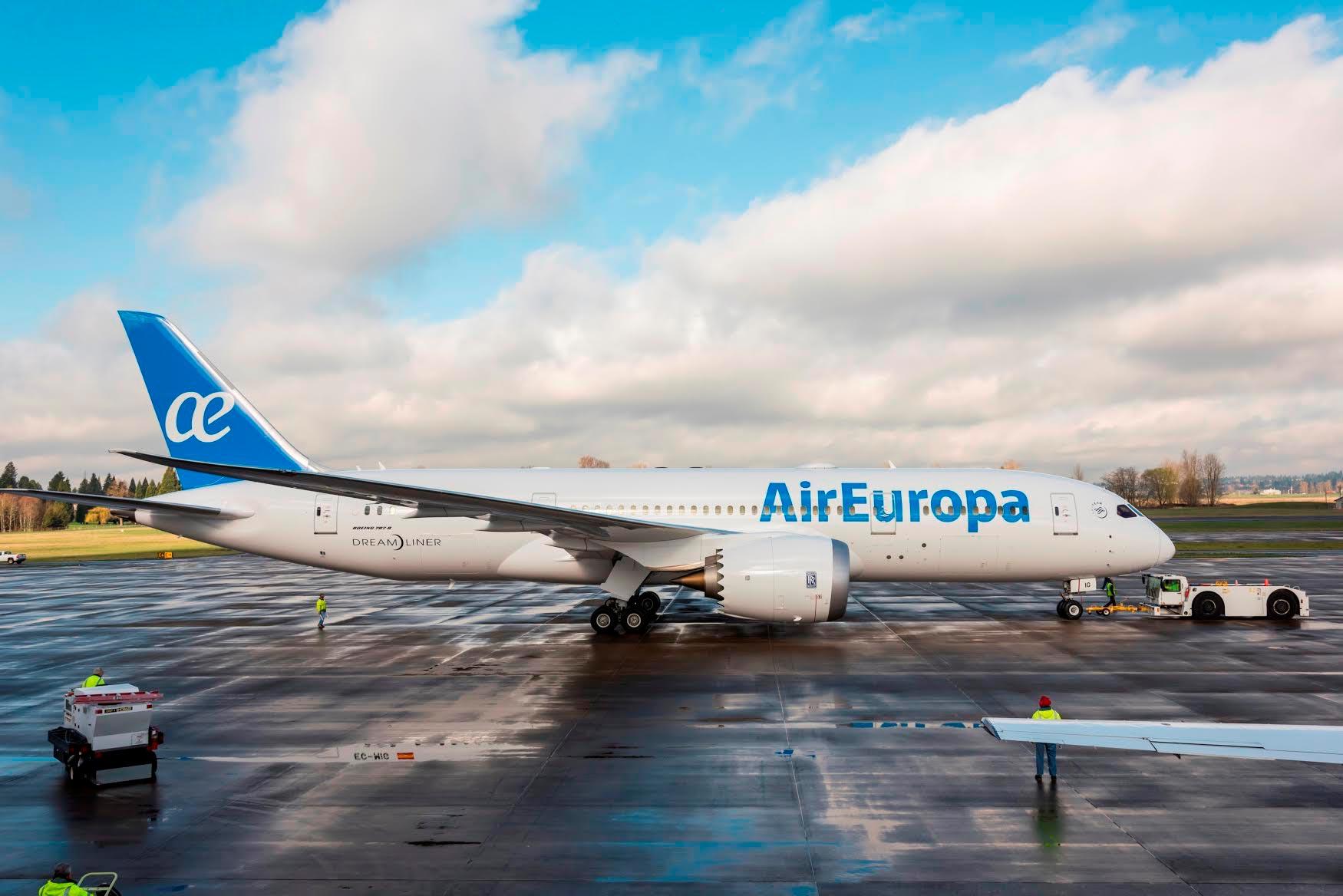 air-europa-avion-aeropuerto