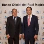 Gonzalo Gortázar y Florentino Pérez durante la firma del acuerdo.