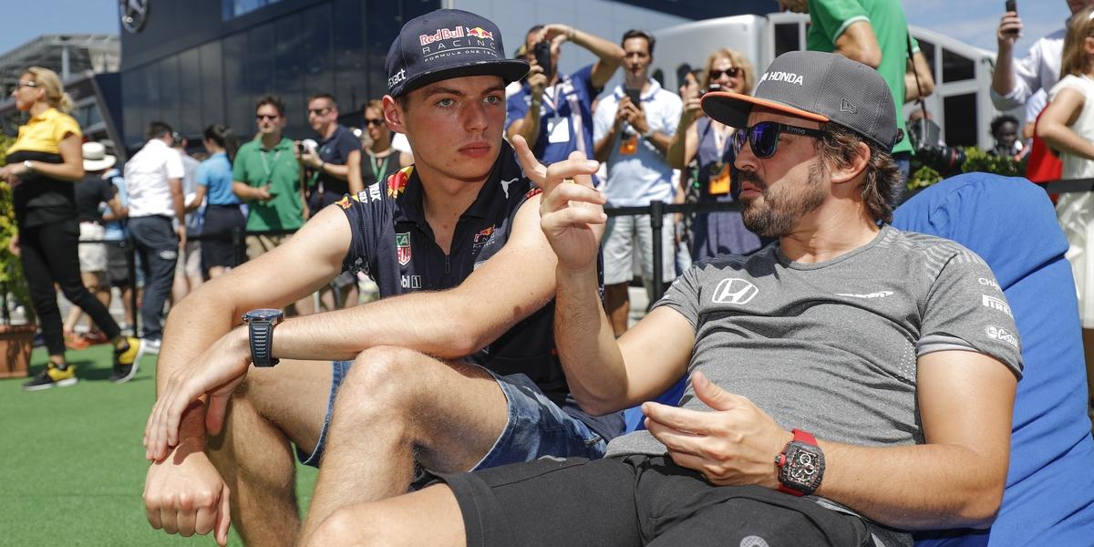 Motorsports: FIA Formula One World Championship 2017, Grand Prix of Hungary,  #33 Max Verstappen (NLD, Red Bull Racing), #14 Fernando Alonso (ESP, McLaren Honda),  *** Local Caption *** +++ www.hoch-zwei.net +++ copyright: HOCH ZWEI +++
