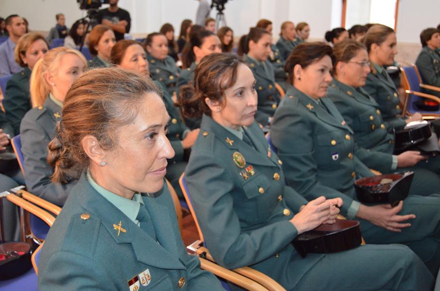 Una polémica con forma de mujer: Las Agentes de las Fuerzas y ...