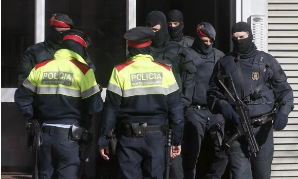 Policia y Mossos